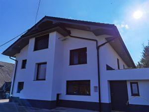 Fasada z bleščicami