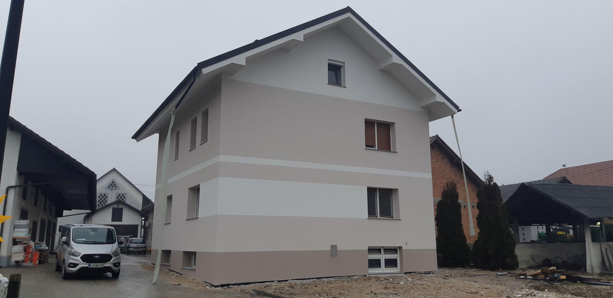 Obnova fasade v Sneberjah z Silber Reflex