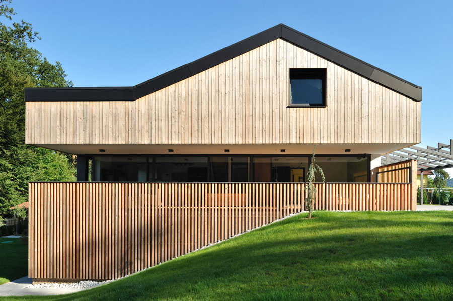 moderna fasada hiše - lesena fasada